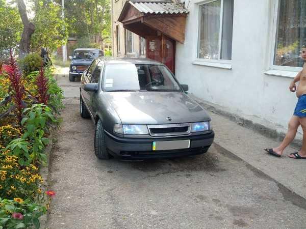 Opel Vectra, 1989 год, 264 123 руб.
