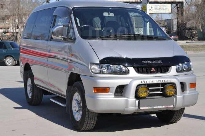Mitsubishi Delica, 2003 год, 675 000 руб.
