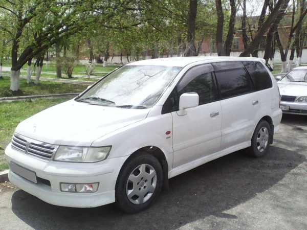 Mitsubishi Chariot Grandis, 1999 год, 180 000 руб.