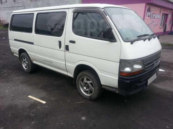 Toyota Hiace, 2001 год, 380 000 руб.