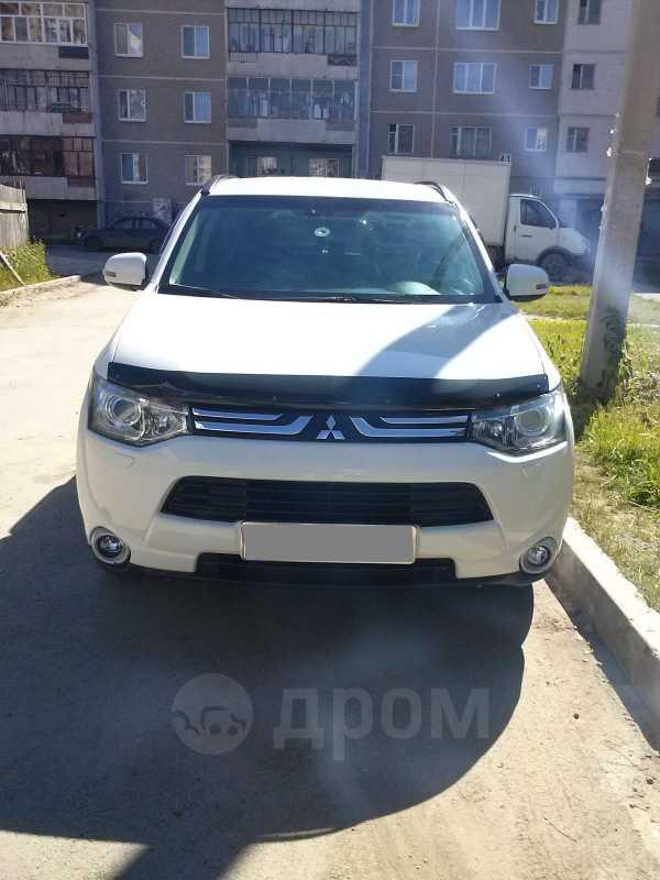 Mitsubishi Outlander, 2012 год, 1 000 000 руб.
