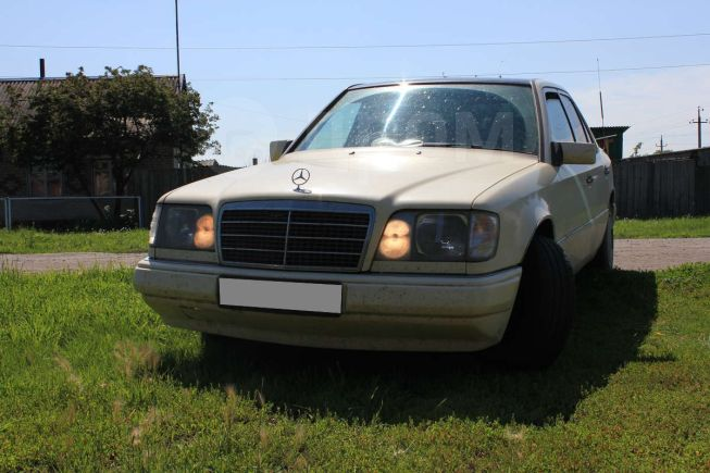 Mercedes-Benz E-Class, 1994 год, 225 000 руб.