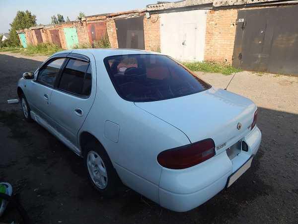 Nissan Bluebird, 1992 год, 120 000 руб.