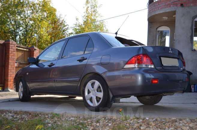 Mitsubishi Lancer, 2004 год, 240 000 руб.