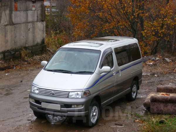 Toyota Hiace Regius, 2000 год, 400 000 руб.