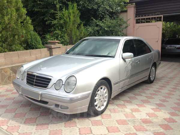 Mercedes-Benz E-Class, 2001 год, 535 000 руб.