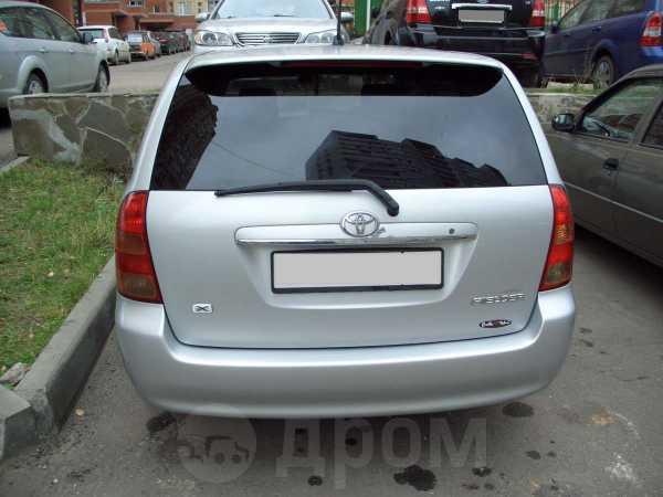 Toyota Corolla Fielder, 2004 год, 290 000 руб.
