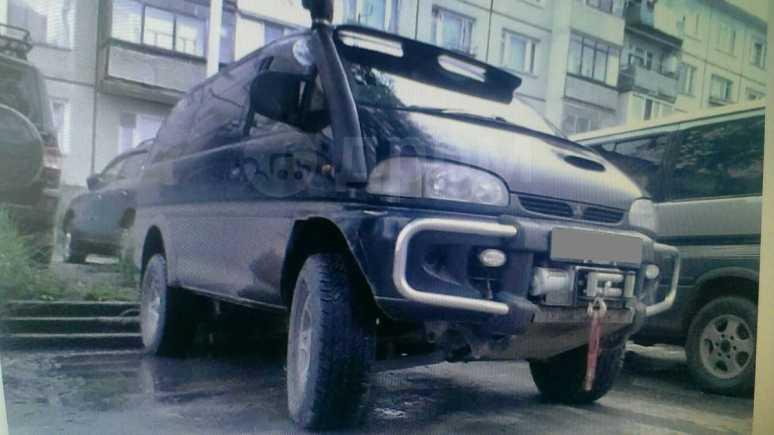 Mitsubishi Delica, 1997 год, 550 000 руб.