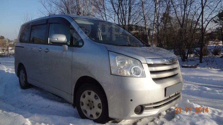Toyota Noah, 2008 год, 550 000 руб.