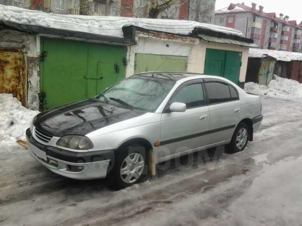 Toyota Avensis, 2000 год, 240 000 руб.
