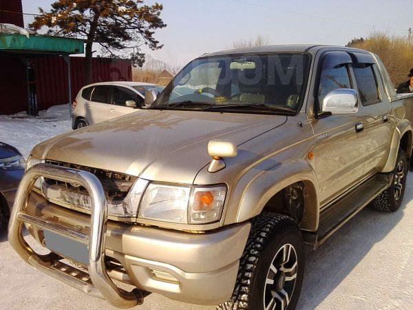 Toyota Hilux Pick Up, 2002 год, 900 000 руб.