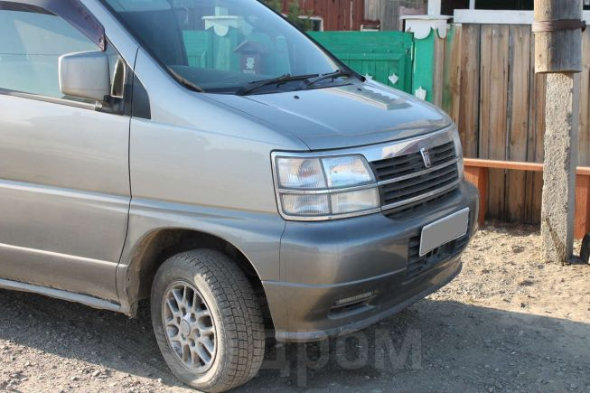 Nissan Caravan Elgrand, 1999 год, 330 000 руб.