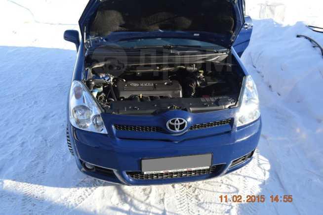 Toyota Corolla Verso, 2006 год, 499 000 руб.