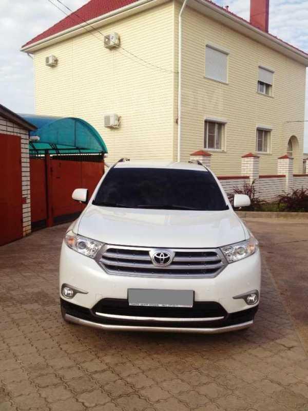 Toyota Highlander, 2011 год, 1 750 000 руб.