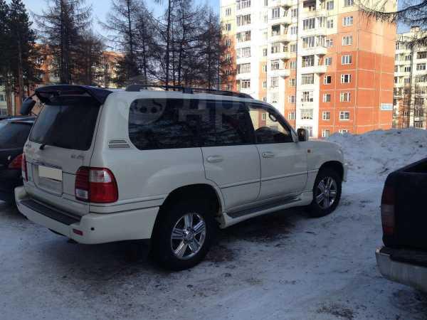 Toyota Land Cruiser Cygnus, 2001 год, 1 050 000 руб.