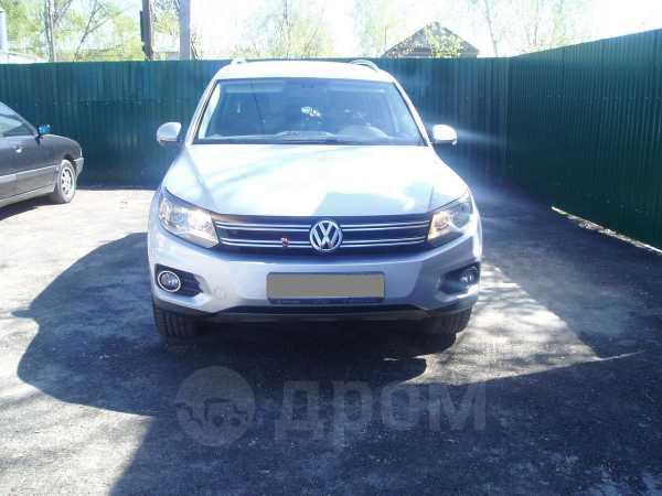 Volkswagen Tiguan, 2011 год, 899 000 руб.