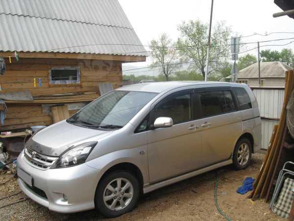 Toyota Isis, 2010 год, 620 000 руб.