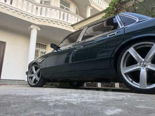 Jaguar XJ, 1993 год, 700 000 руб.