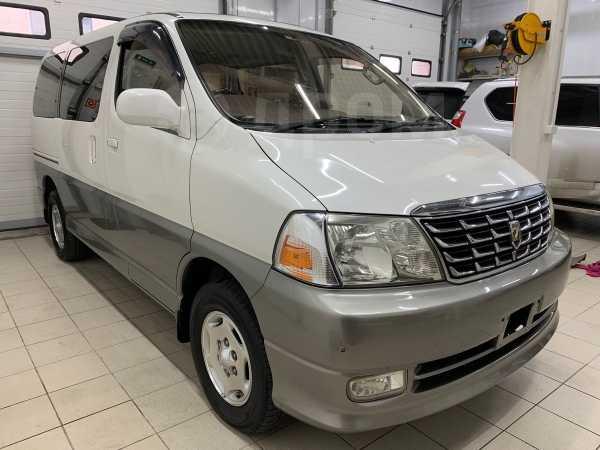 Toyota Grand Hiace, 2001 год, 560 000 руб.