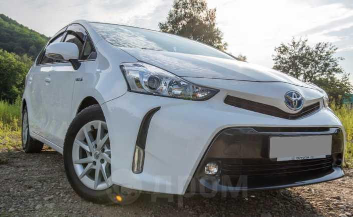 Toyota Prius a, 2015 год, 985 000 руб.