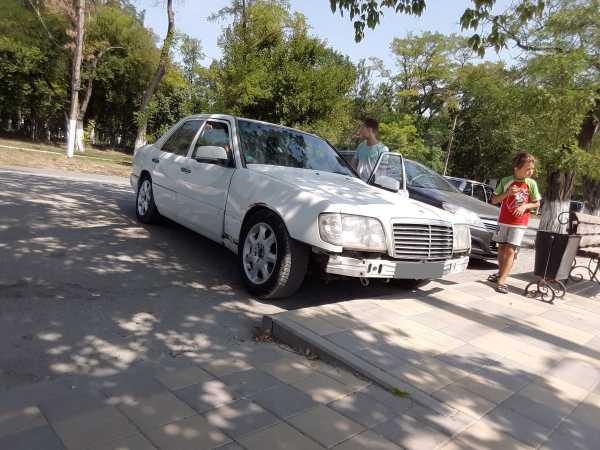 Mercedes-Benz E-Class, 1991 год, 110 000 руб.