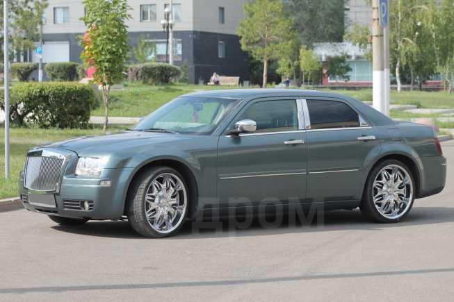 Chrysler 300C, 2004 год, 570 000 руб.