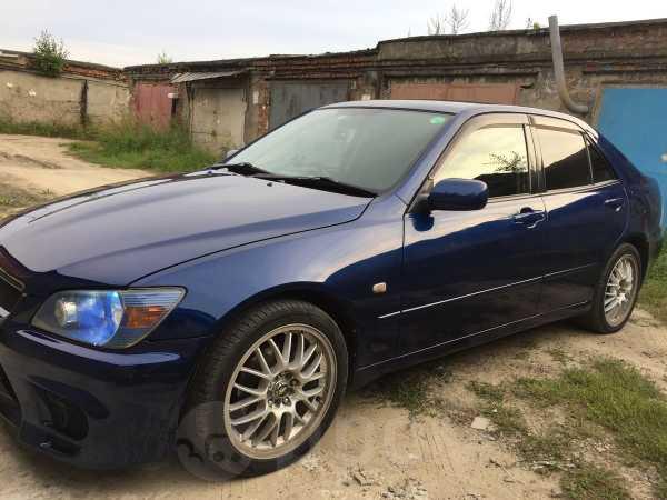 Toyota Altezza, 2000 год, 445 000 руб.
