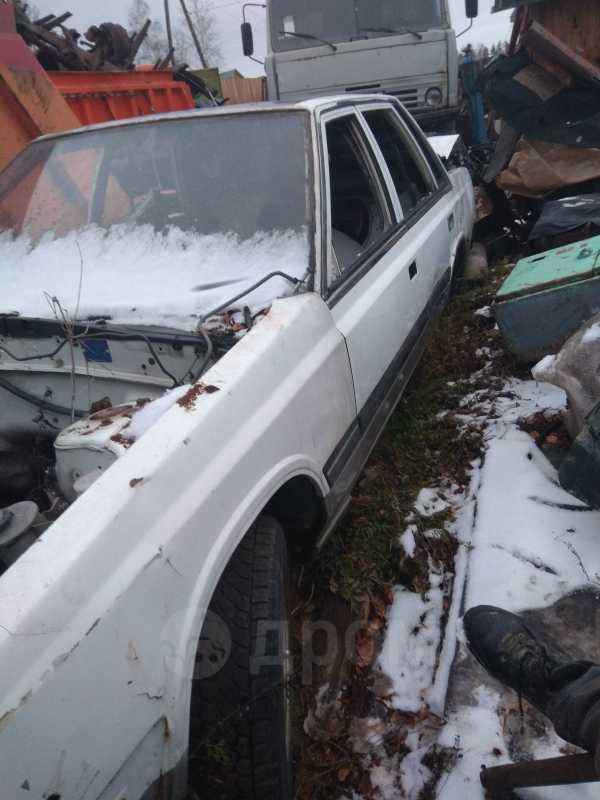 Nissan Laurel, 1985 год, 10 000 руб.