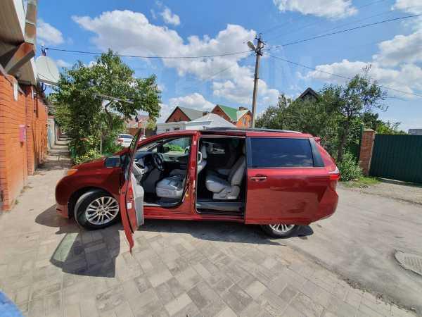 Toyota Sienna, 2016 год, 2 450 000 руб.