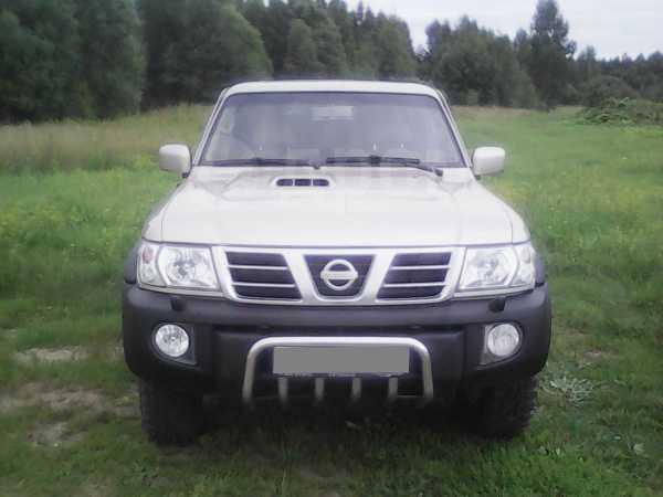 Nissan Patrol, 2003 год, 650 000 руб.