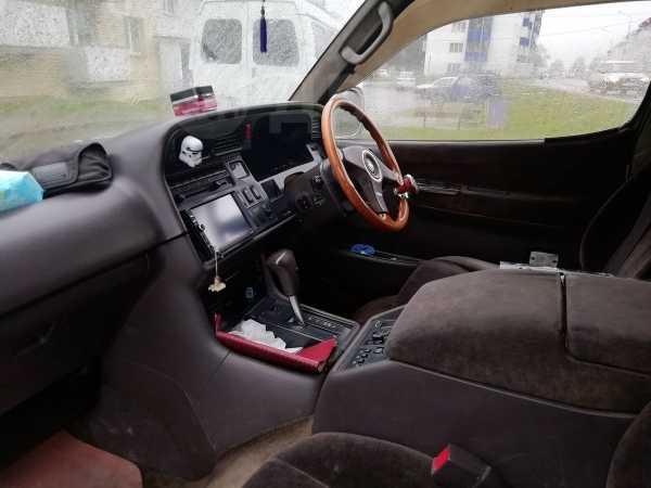 Toyota Hiace, 1999 год, 590 000 руб.