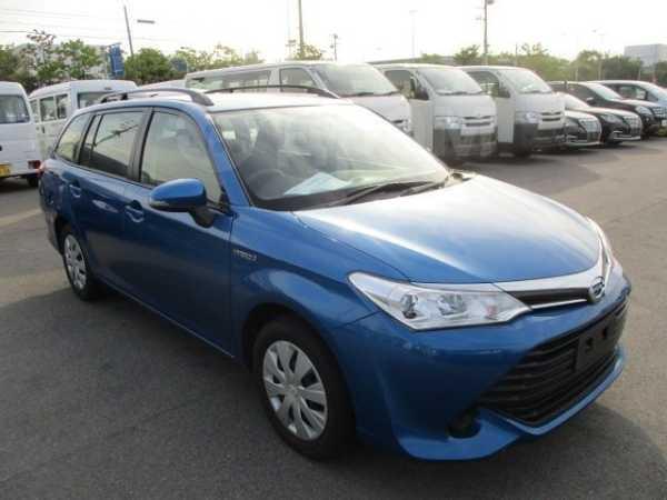 Toyota Corolla Fielder, 2016 год, 780 000 руб.