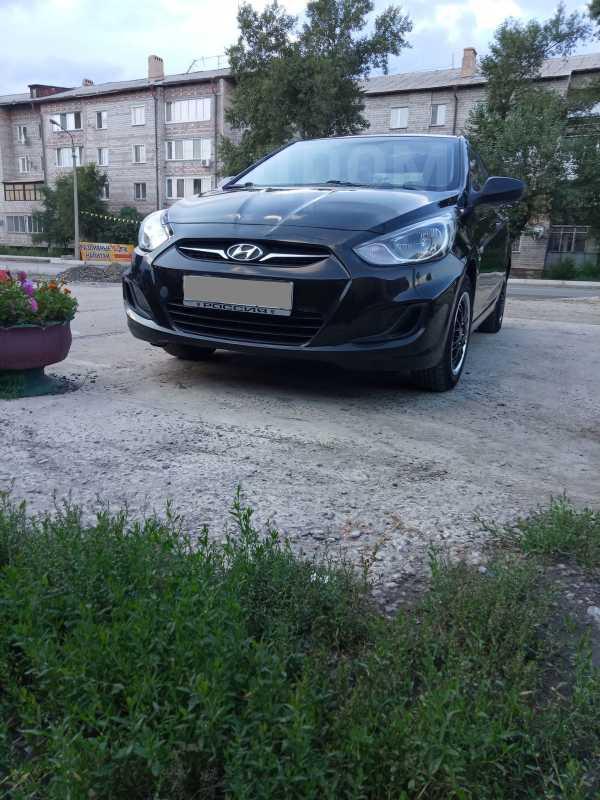Hyundai Solaris, 2011 год, 422 000 руб.