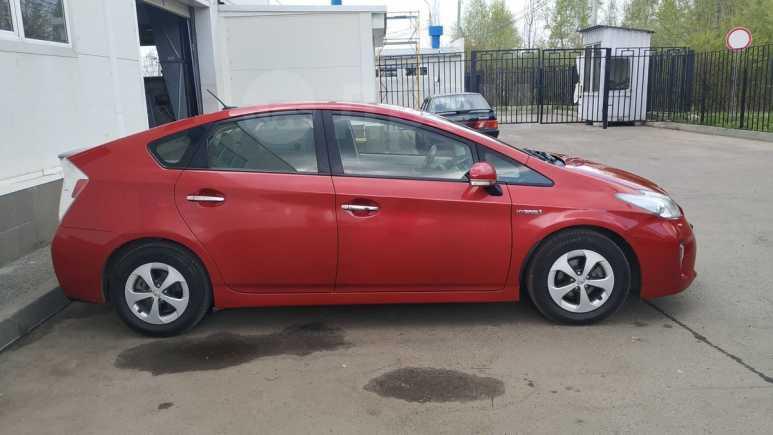 Toyota Prius, 2012 год, 990 000 руб.