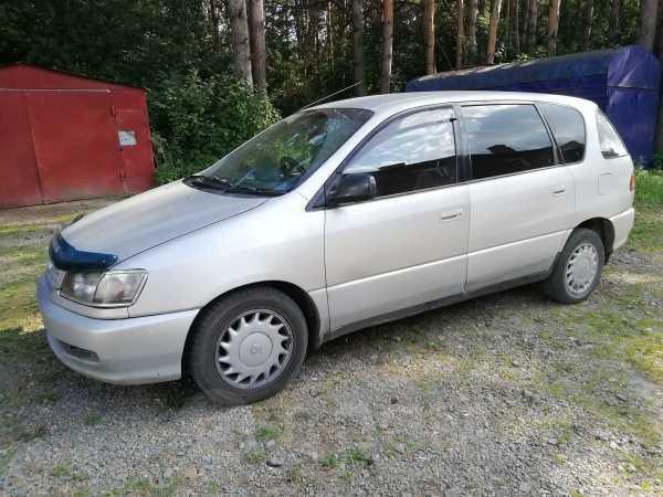 Toyota Ipsum, 1998 год, 175 000 руб.