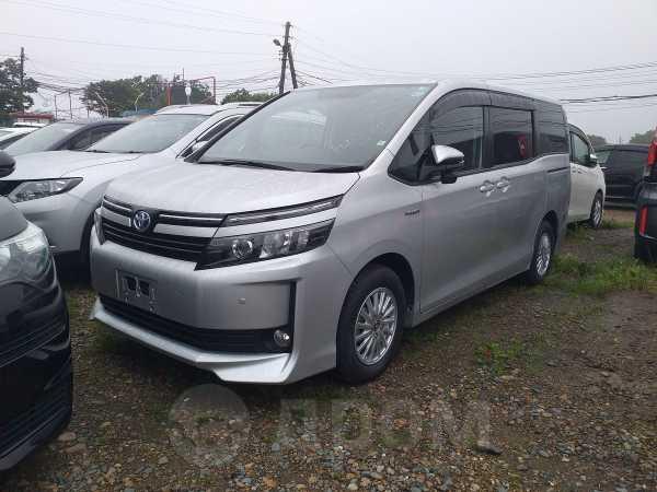 Toyota Voxy, 2014 год, 1 155 000 руб.