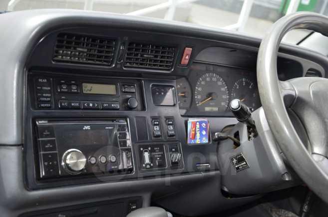 Toyota Hiace, 1997 год, 650 000 руб.