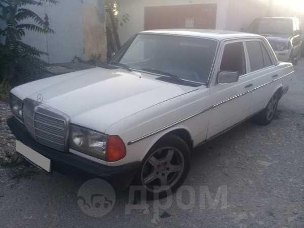 Mercedes-Benz E-Class, 1984 год, 135 000 руб.