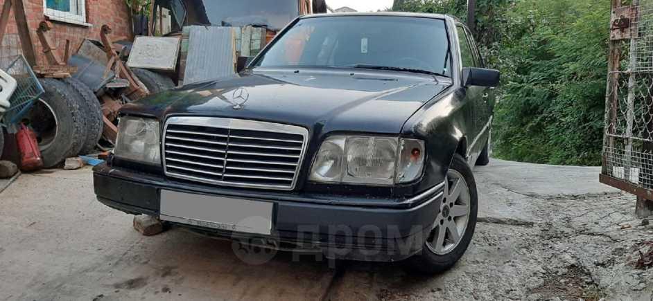 Mercedes-Benz E-Class, 1993 год, 115 000 руб.