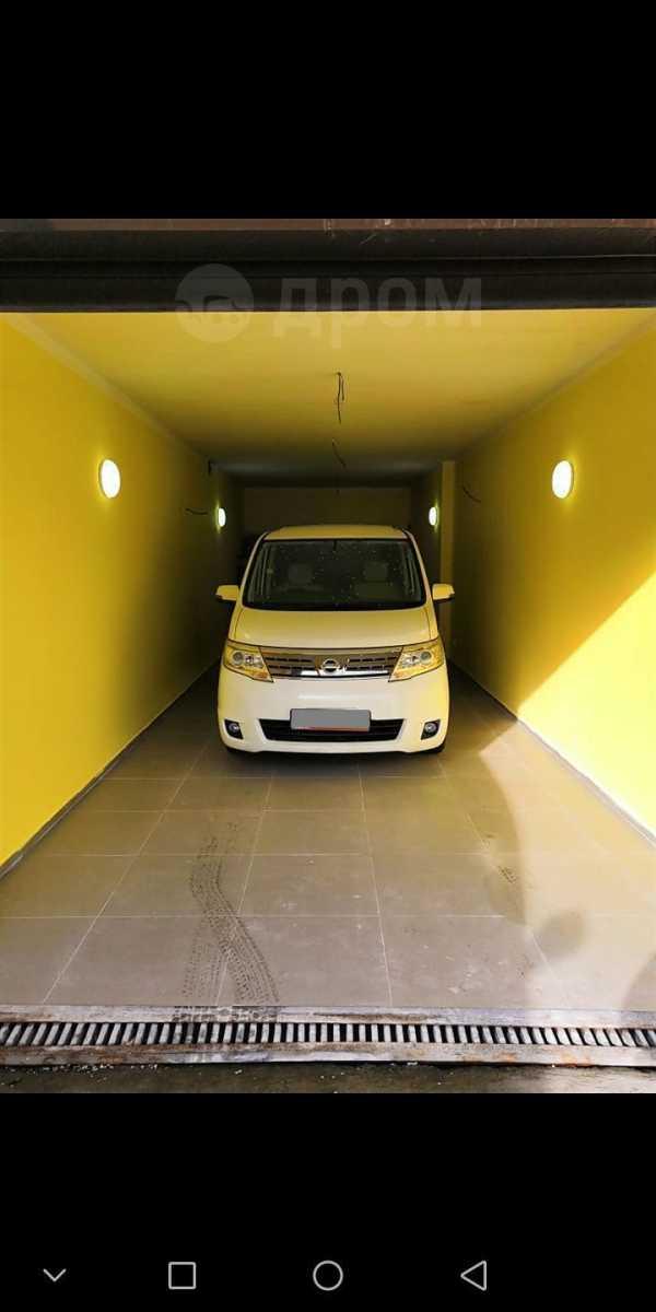 Nissan Serena, 2010 год, 760 000 руб.