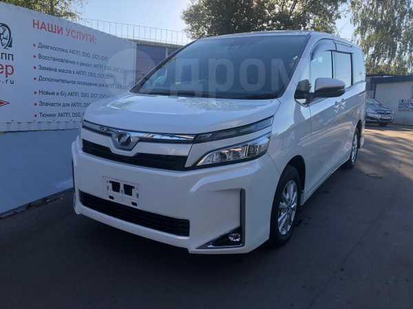Toyota Voxy, 2018 год, 1 560 000 руб.