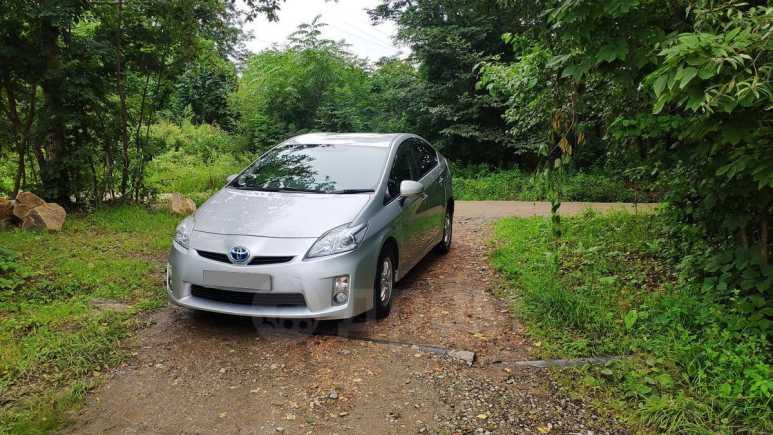 Toyota Prius, 2011 год, 605 000 руб.