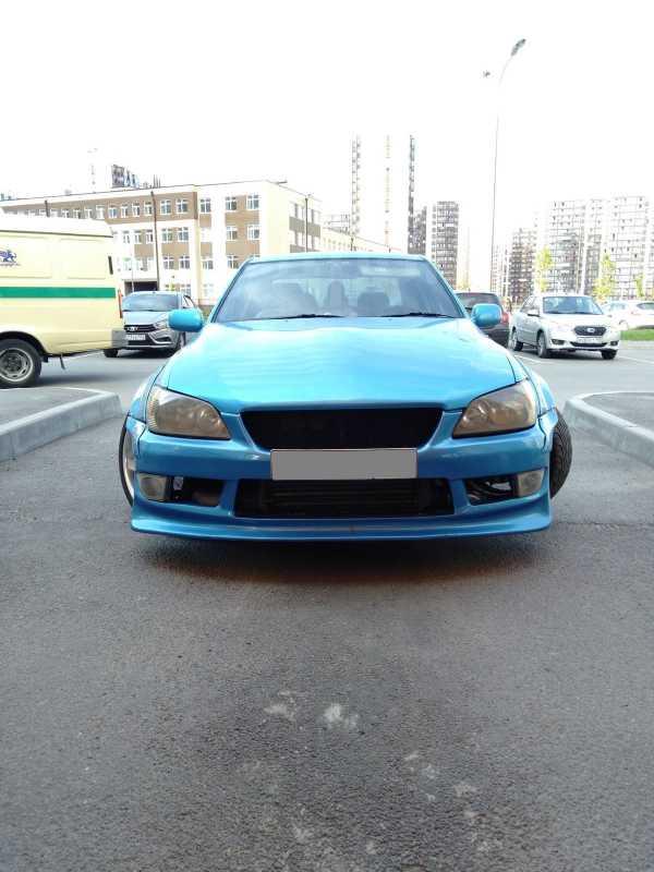 Toyota Altezza, 1999 год, 630 000 руб.