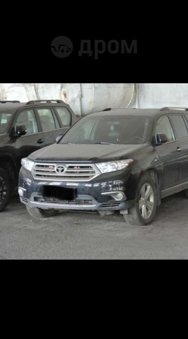 Toyota Highlander, 2013 год, 1 233 900 руб.