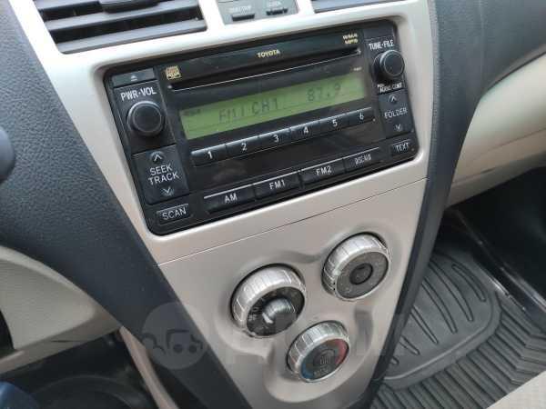 Toyota Yaris, 2008 год, 449 000 руб.