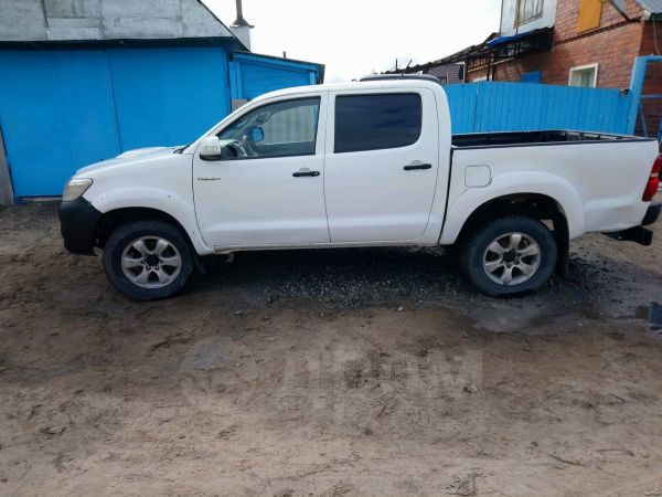 Toyota Hilux Pick Up, 2013 год, 899 000 руб.