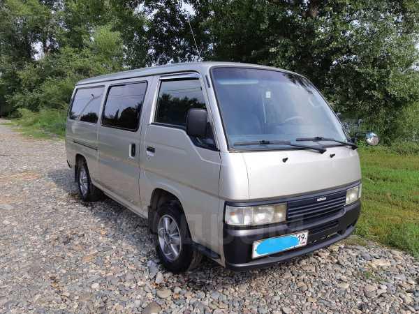 Nissan Caravan, 2000 год, 395 000 руб.