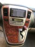 Toyota Alphard, 2004 год, 580 000 руб.