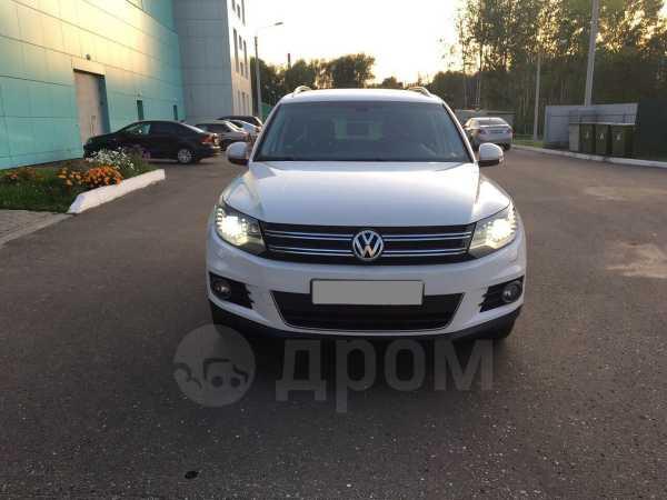 Volkswagen Tiguan, 2012 год, 855 000 руб.