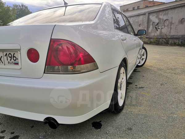 Toyota Altezza, 2000 год, 345 000 руб.